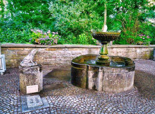 Froschbrunnen früher